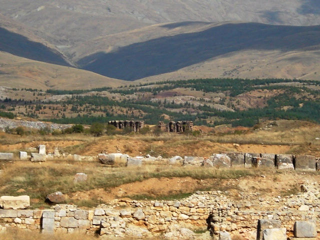 Ruins of Antioch of Psidia. Photo by Maderibeyza. CC BY-SA 3.0