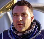 "Tom Sizemore in ""Red Planet"""