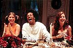 "Tori Spelling, Marlon Wayans and Kathleen Robertson in ""Scary Movie 2"""